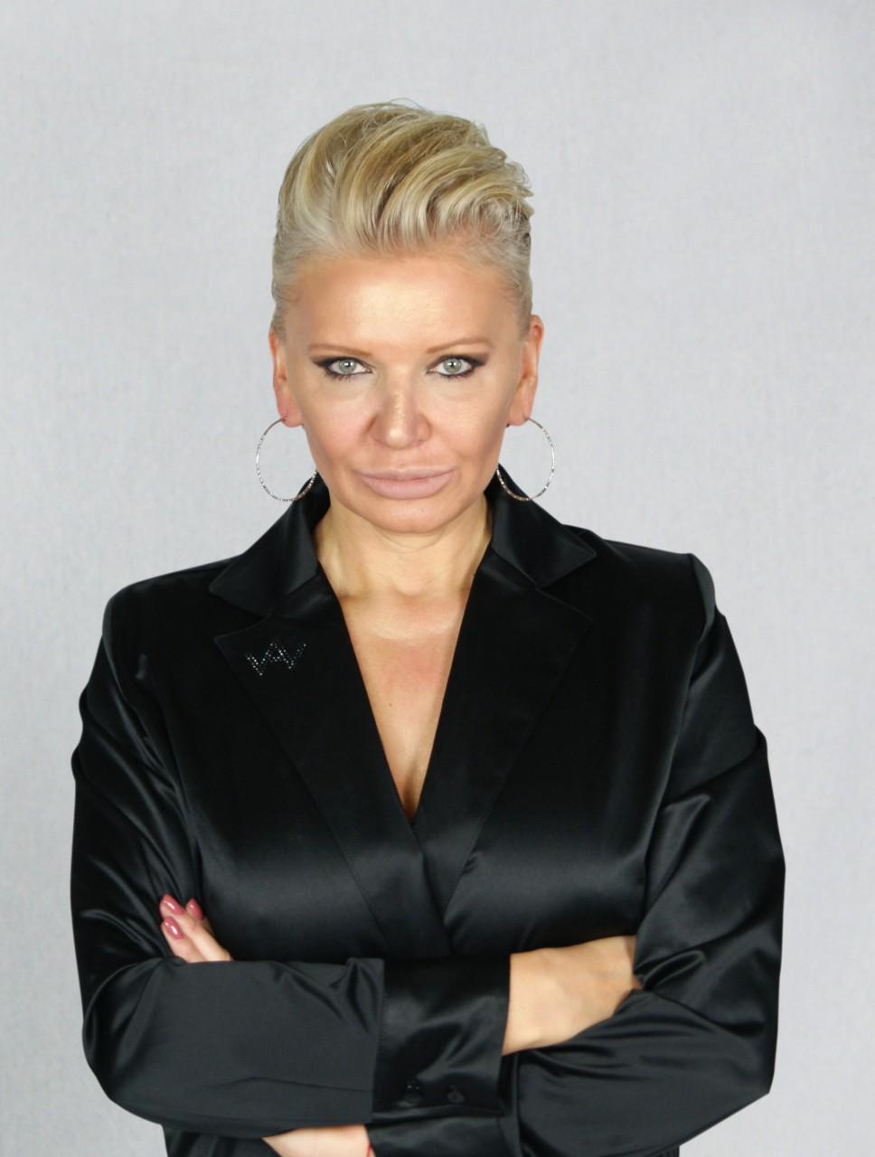 Body Eve Schwarz