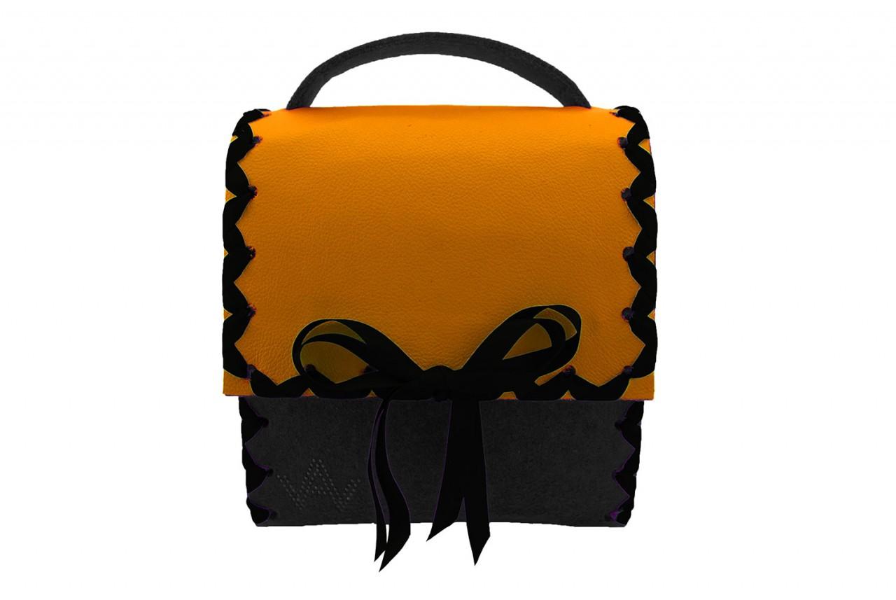 Herzerl Klassik Schwarz Orange